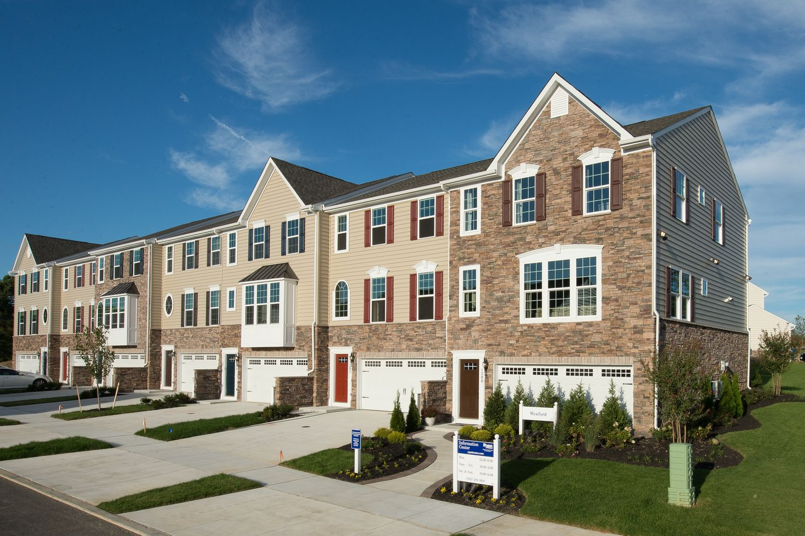 'The Townes at Washington Square' by Ryan Homes-NJS in Philadelphia
