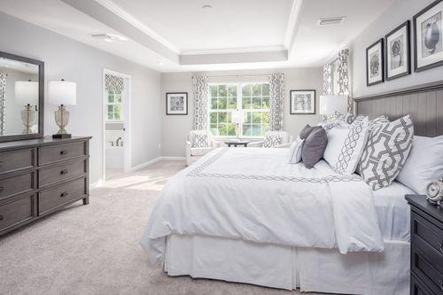Bedroom-in-Columbia-at-Lee's Parke-in-Fredericksburg