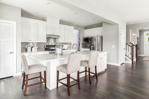 Kitchen-in-Hudson-at-Silverton-in-Fishers