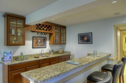 Wet-Bar-in-Waldorf-at-Walker Farm Townhomes-in-Hockessin