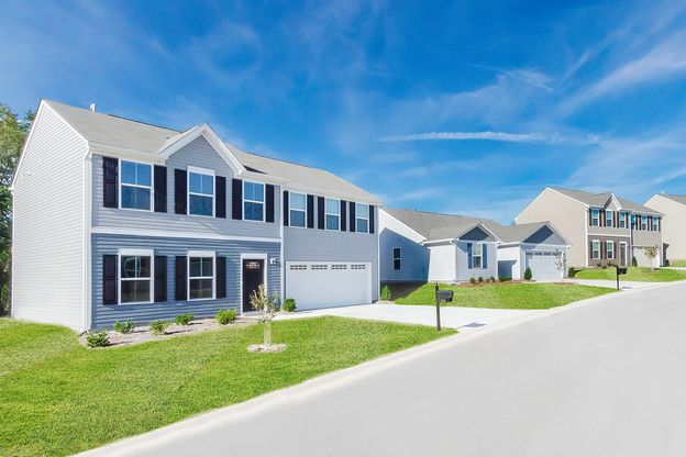 Space for endless activities:Schedule a visitto Oakland Farm, a family-friendly community featuring oversized homesites and modern floorplans!