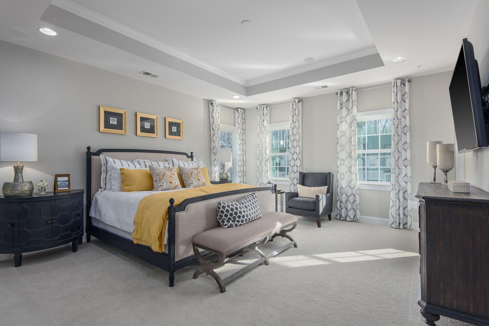 Bedroom-in-Longwood-at-Lake Linganore Oakdale-in-Ijamsville