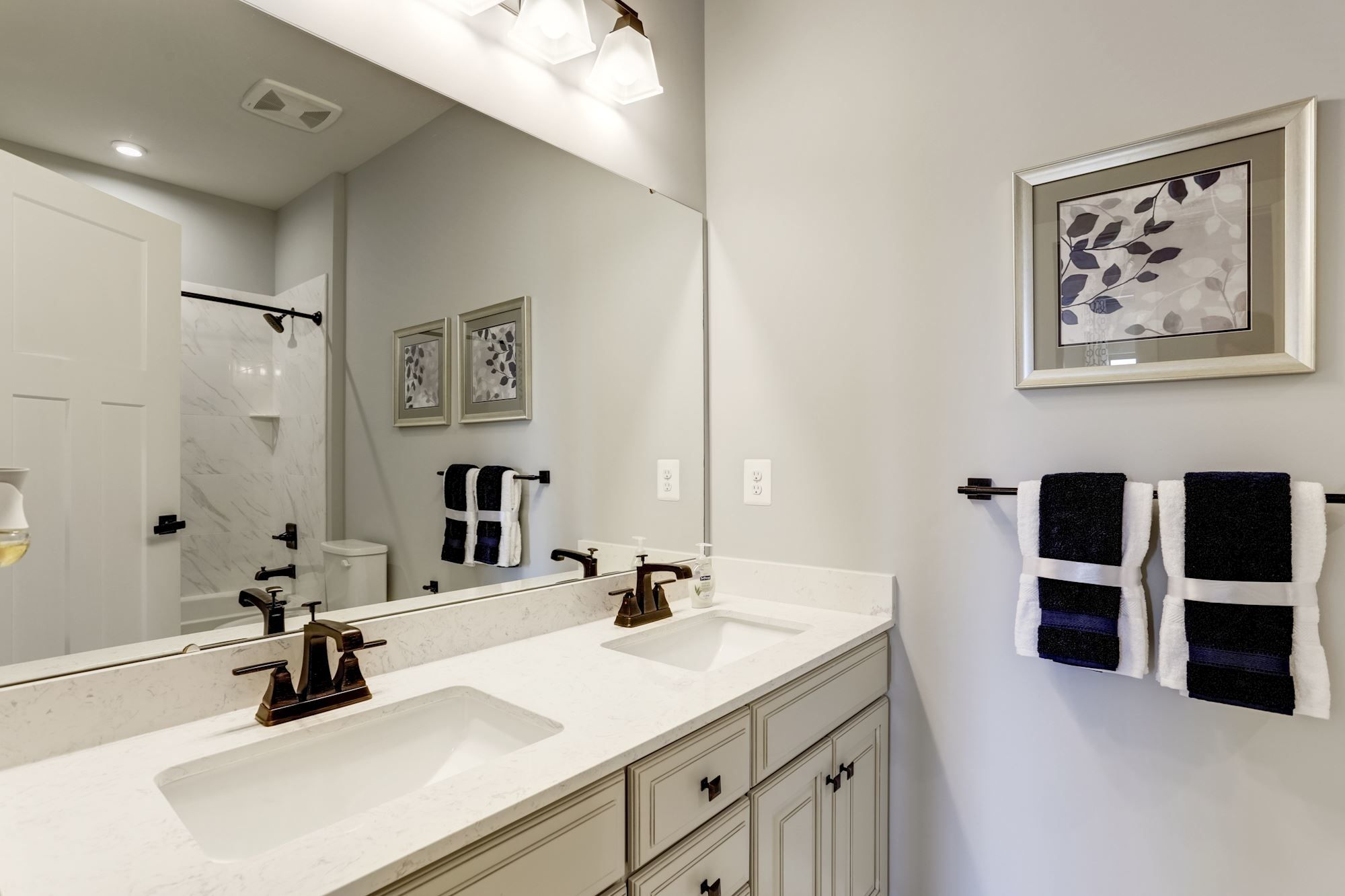 Bathroom featured in the Palladio Ranch By Ryan Homes in Warren County, NJ