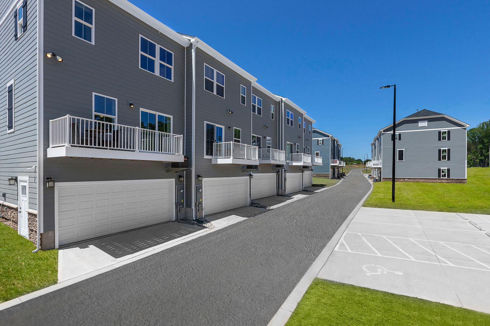 'Riverbend Townhomes' by Ryan Homes-CTN in Charlotte