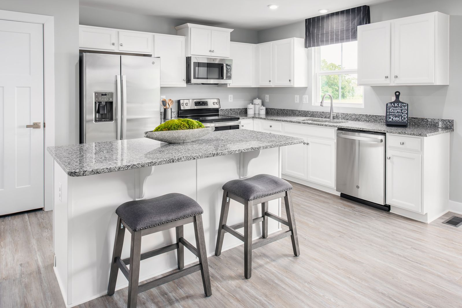 Kitchen featured in the Grand Bahama By Ryan Homes in Sussex County, NJ