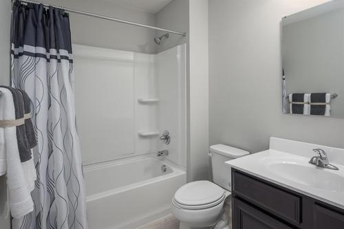 Bathroom-in-Plan 1680-at-Bradford Run-in-Washington