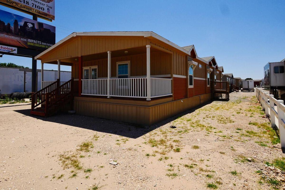 Boerne 5067 Porch Flip