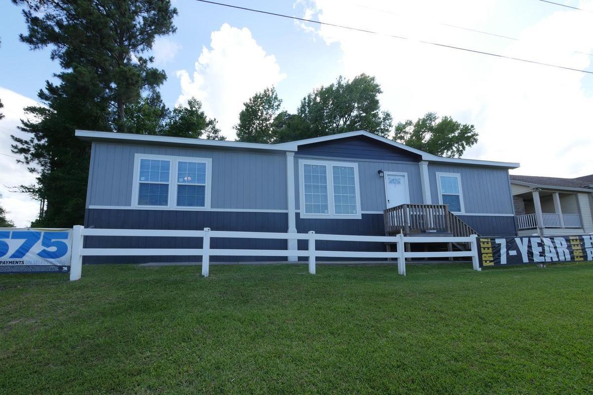 Oak Creek Homes Lufkin - 1301 N. Medford  Lufkin, TX 75901