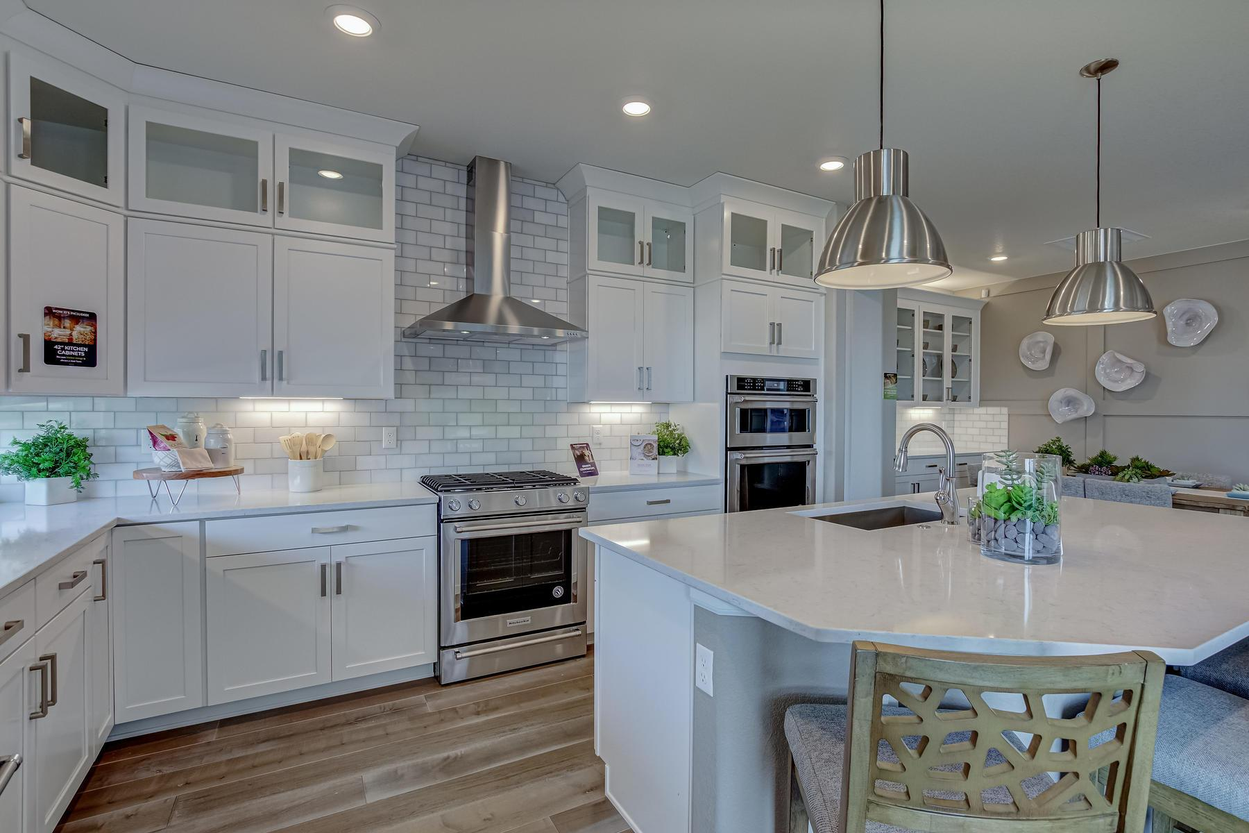 Kitchen featured in the Aspen By OakwoodLife in Denver, CO