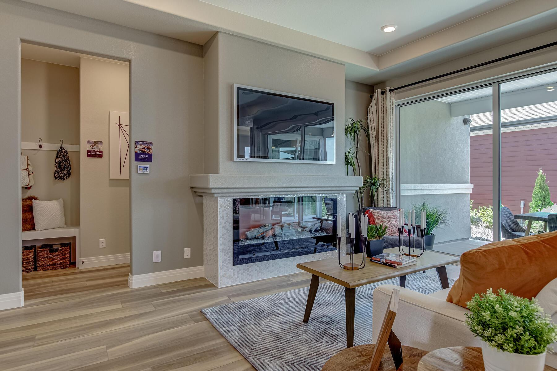 Living Area featured in the Douglas By OakwoodLife in Denver, CO