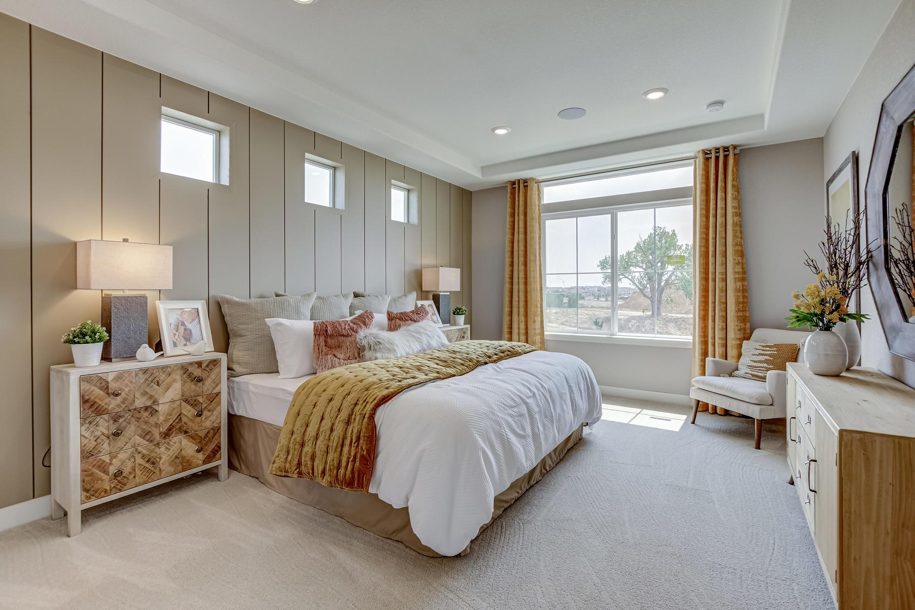 Bedroom featured in the Harbor By OakwoodLife in Denver, CO