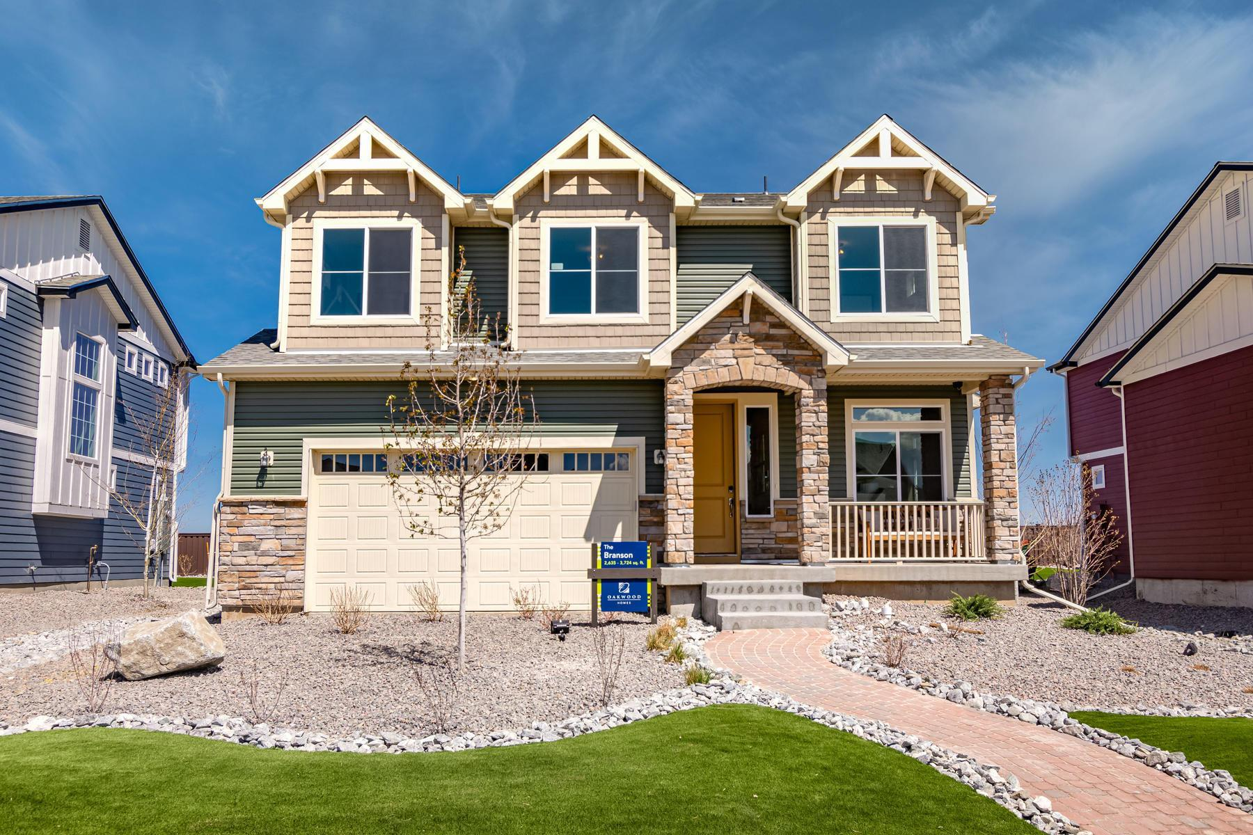 Exterior featured in the  Branson  By Oakwood Homes Colorado in Denver, CO