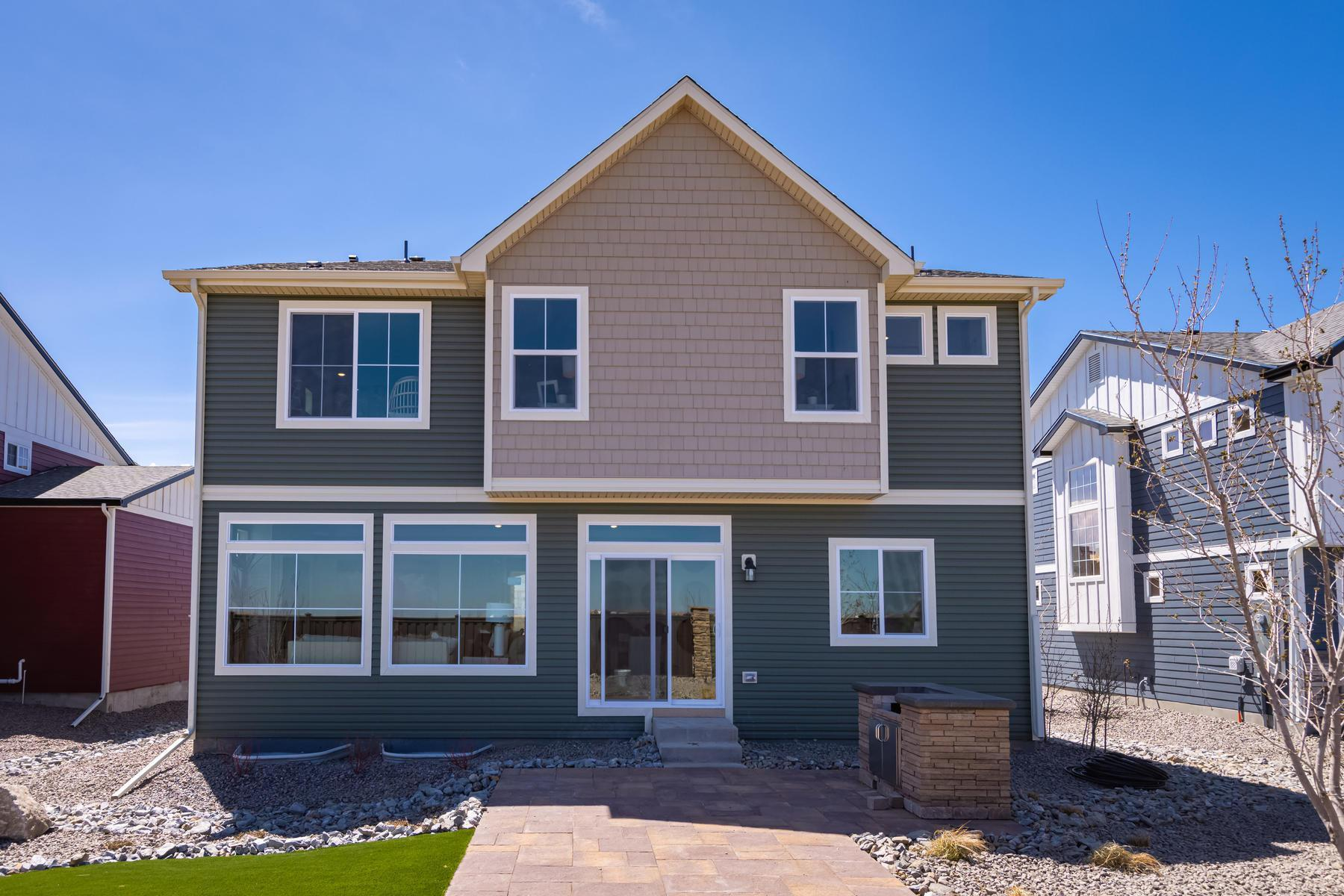 Exterior featured in the  Branson  By Oakwood Homes in Denver, CO