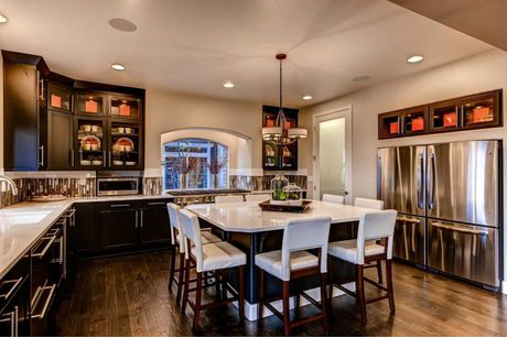 Kitchen-in-Broadmoor-at-Reunion-in-Commerce City
