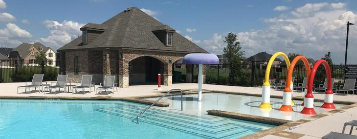 Parks Pool:Gorgeous Community Pool