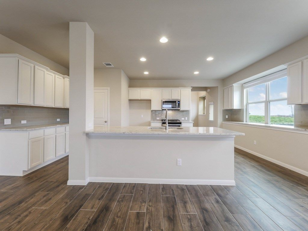 Kitchen-in-Pacesetter - Faber II-at-Star Ranch-in-Hutto