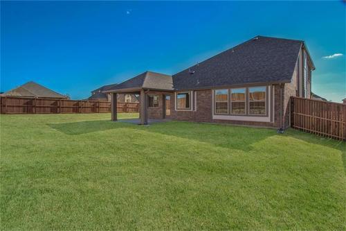 Rear-Design-in-Pacesetter - Alamosa-at-Woodridge-in-Oak Point
