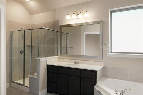 Bathroom-in-Pacesetter - Fairhaven-at-Woodridge-in-Oak Point