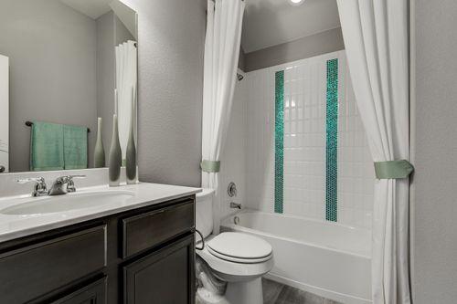 Bathroom-in-Pacesetter - Maybeck II-at-Marbella-in-Leander