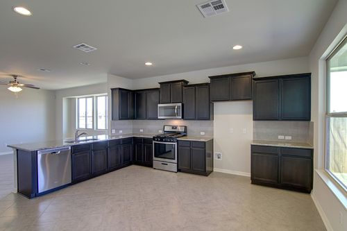 Kitchen-in-Pacesetter - Tradesman-at-Blanco Vista-in-San Marcos