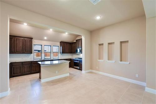 Kitchen-in-Pacesetter - Landon-at-Creek Crossing-in-Melissa