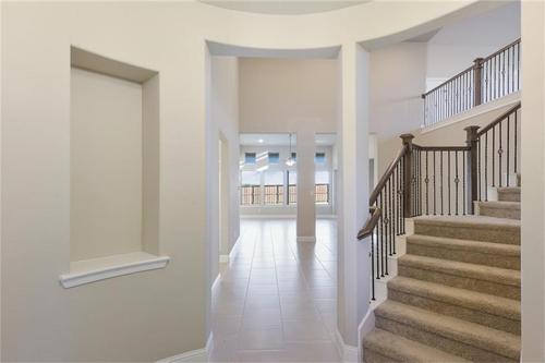 Stairway-in-Pacesetter - Sandstone II-at-Woodridge-in-Oak Point