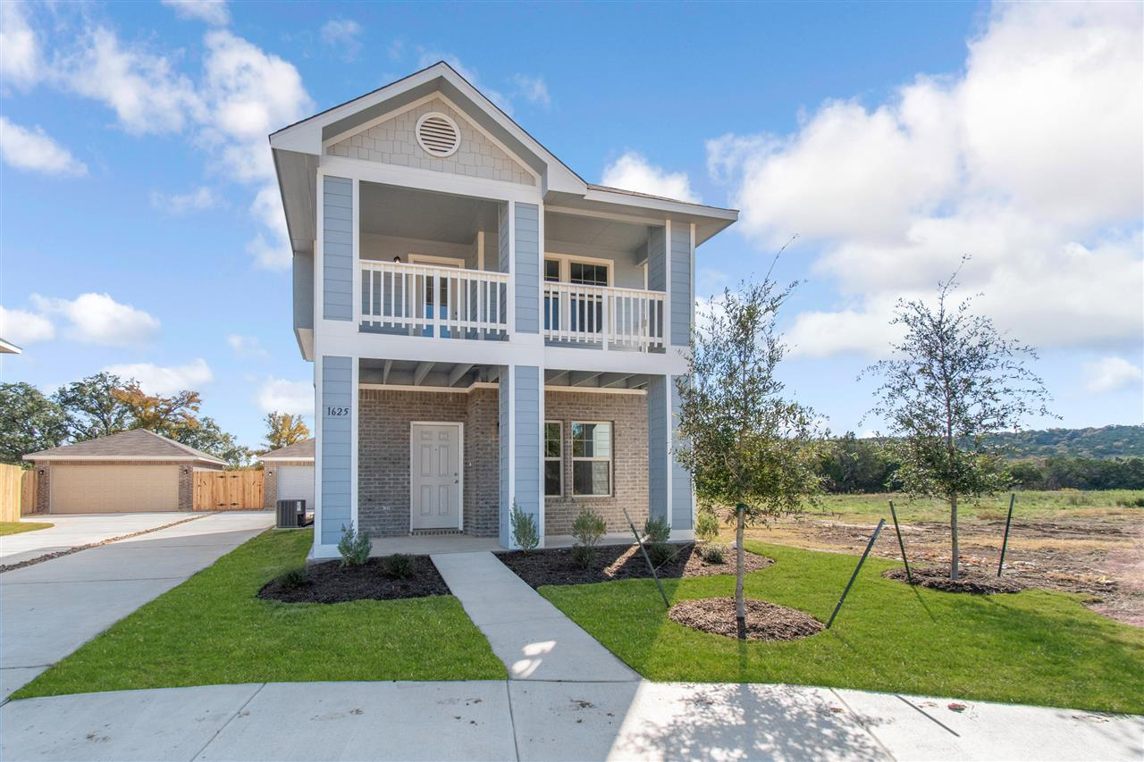 Exterior featured in The Montgomery By Pacesetter Homes Texas in Austin, TX