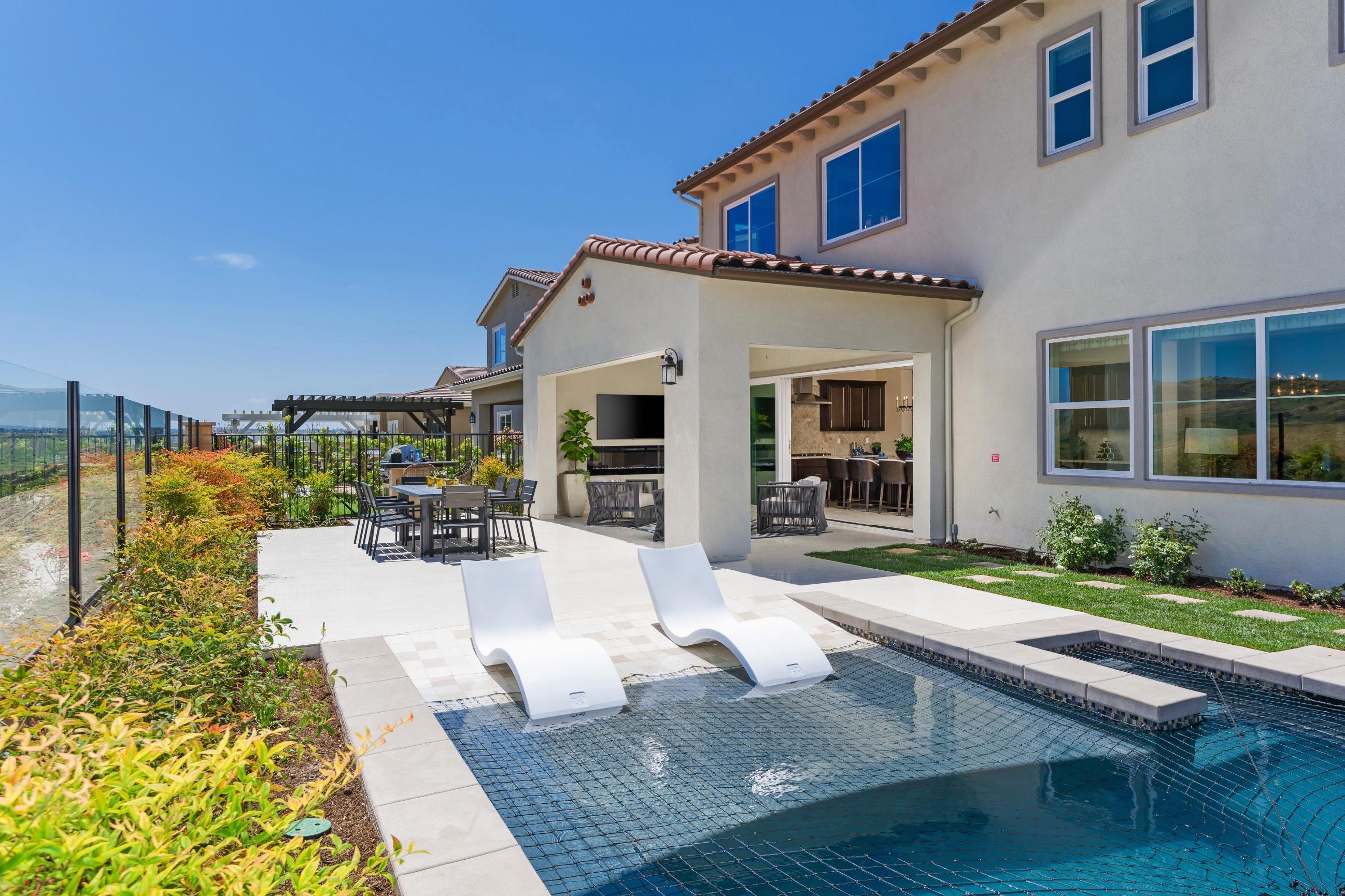 'Bella Sitia' by Pacific Coast Communities in San Diego