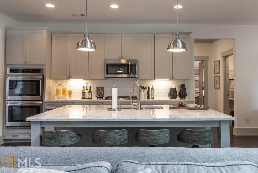 Kitchen-in-Woodbury-at-Oakleigh Pointe-in-Dallas
