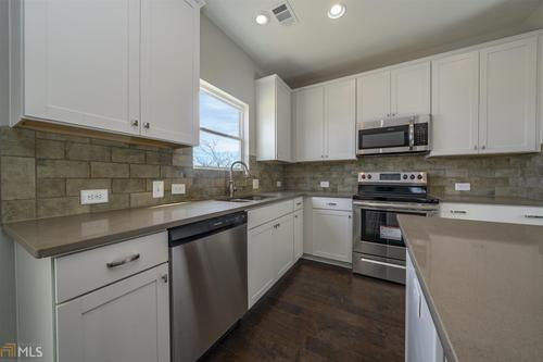 Kitchen-in-Southport-at-Traditions of Braselton-in-Jefferson