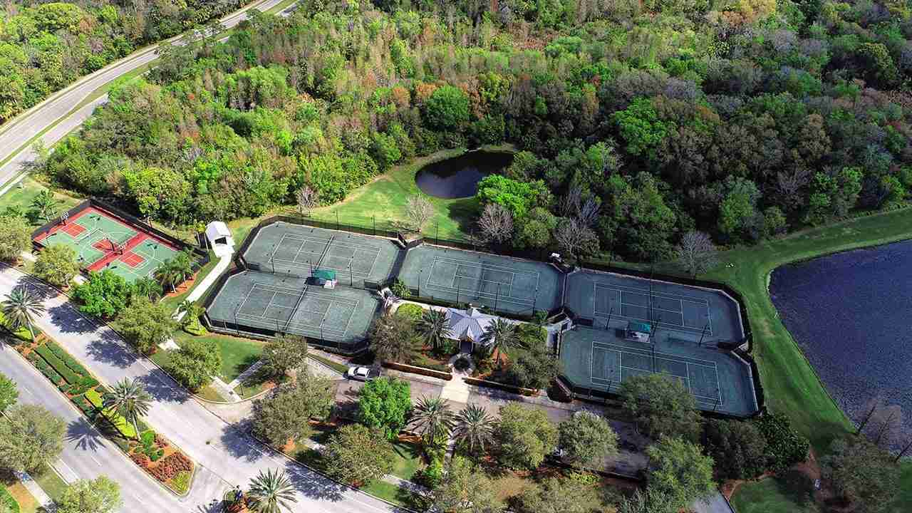 MiraBay Tennis Courts