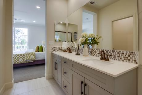 Exceptionnel ... Bathroom In Plan 1 At Paseo Village Townhomes In Ramona