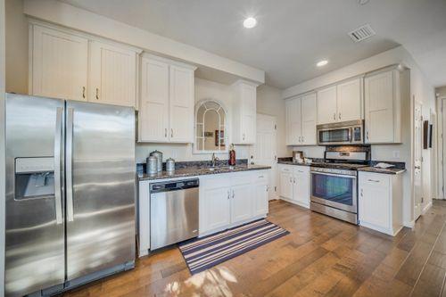 Kitchen-in-Residence A-at-Paseo Vista-in-Santa Rosa