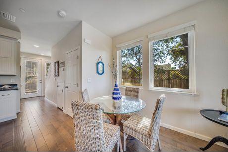 Breakfast-Room-in-Residence A-at-Paseo Vista-in-Santa Rosa