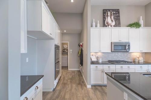 Kitchen-in-Geneva II-at-Pinewoods Estates-in-Wentzville