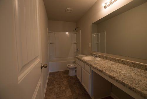 Bathroom-in-Turnbridge-at-High Shoals-in-Acworth