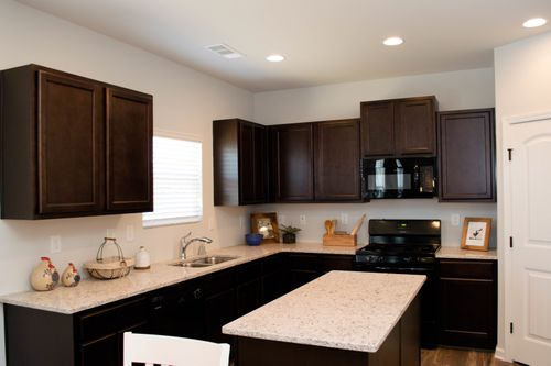 Kitchen-in-Brentwood-at-Heritage Point-in-Hoschton