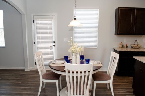 Breakfast-Room-in-Brentwood-at-Heritage Point-in-Hoschton