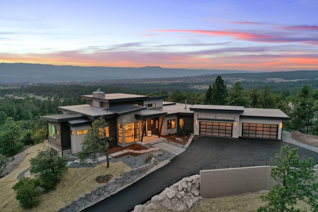 Exterior featured in the Apogee (Finished Basement) By Galiant Homes in Colorado Springs, CO