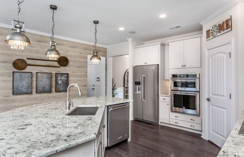 Kitchen-in-Brookfield-at-Prescott-in-Acworth