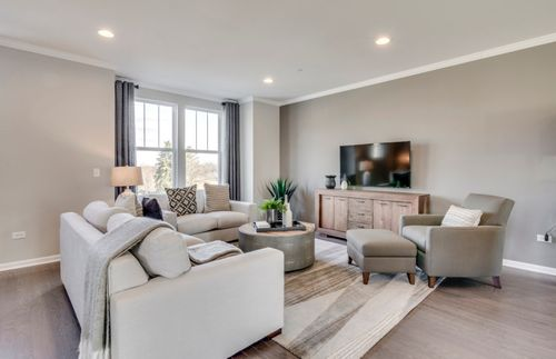 Greatroom-in-Metro-at-Columbia Park Townes-in-Naperville