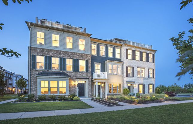 Emerson with Roof Terrace:Stately Townhome Exteriors