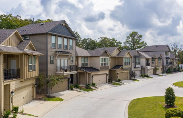 2 & 3 Story Detached Townhomes