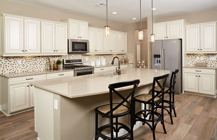 Kitchen featured in the Ridgeview By Pulte Homes in Tucson, AZ