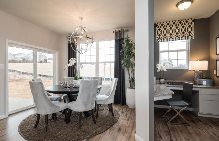 Breakfast-Room-in-Park Place-at-The Enclaves at Woodmont-in-Tamarac