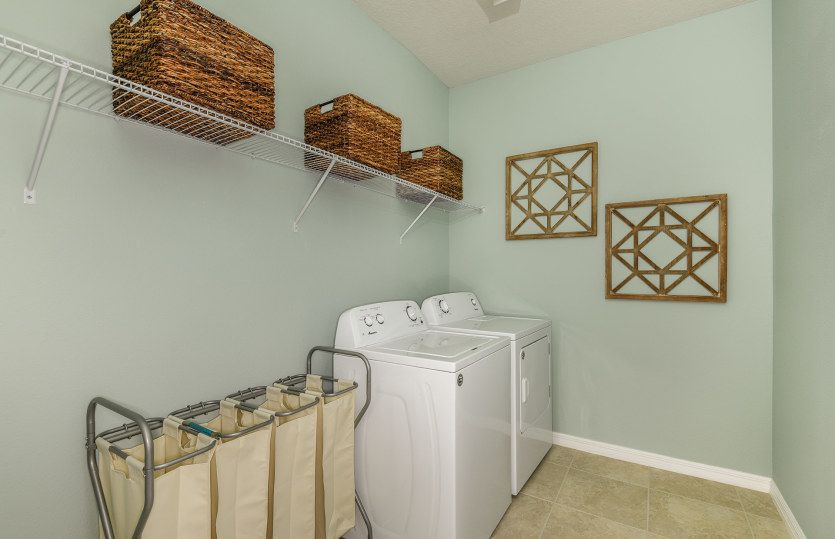 Laundry-in-Oasis-at-K-Bar Ranch-in-Tampa