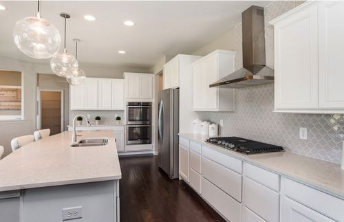 Kitchen-in-Castleton-at-Hunters Run-in-Fishers