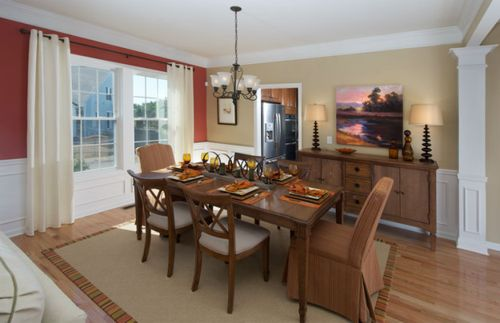 Dining-in-Laurel-at-Riverside Woods-in-Andover