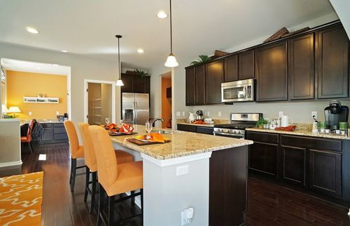 Kitchen-in-Crestwood-at-Deneweth Farms-in-Macomb