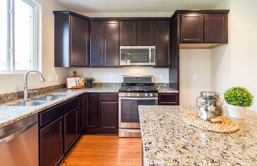 Kitchen-in-Bridgeport-at-Dixon Meadows-in-Novi